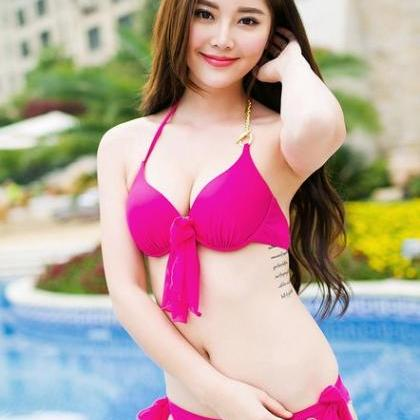 Model Korean Bikini